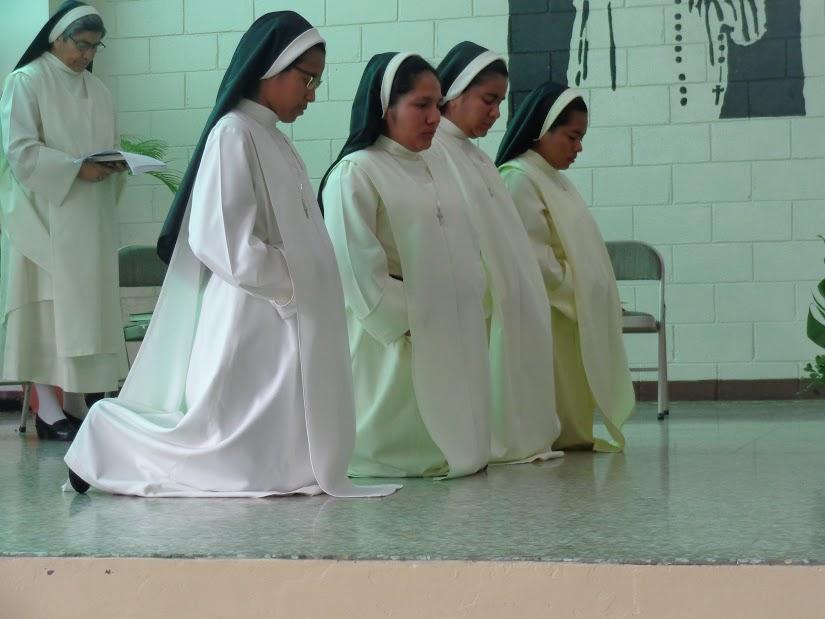 Primera Profesión Hnas. Alejandra, Karen, Lizeth y Katia