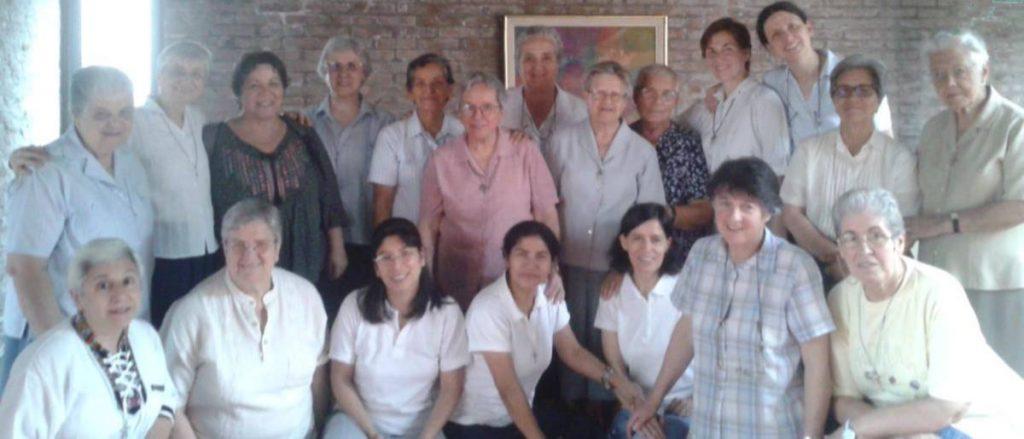 Encuentro de Prioras.  SALGAMOS PRESUROSAS AL ENCUENTRO DE LA VIDA.