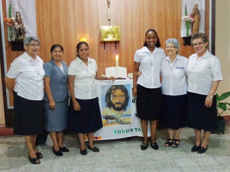 EL SALVADOR: Hnas. Gleicia y María Ingresan al Noviciado