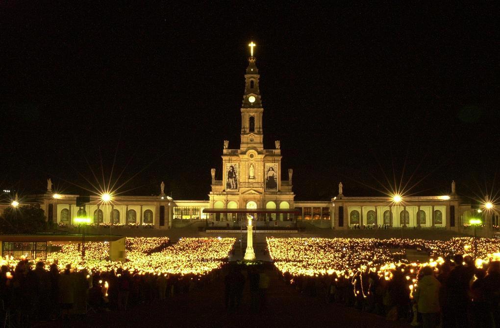Peregrino, María, paz y esperanza: claves del viaje de Francisco a Fátima
