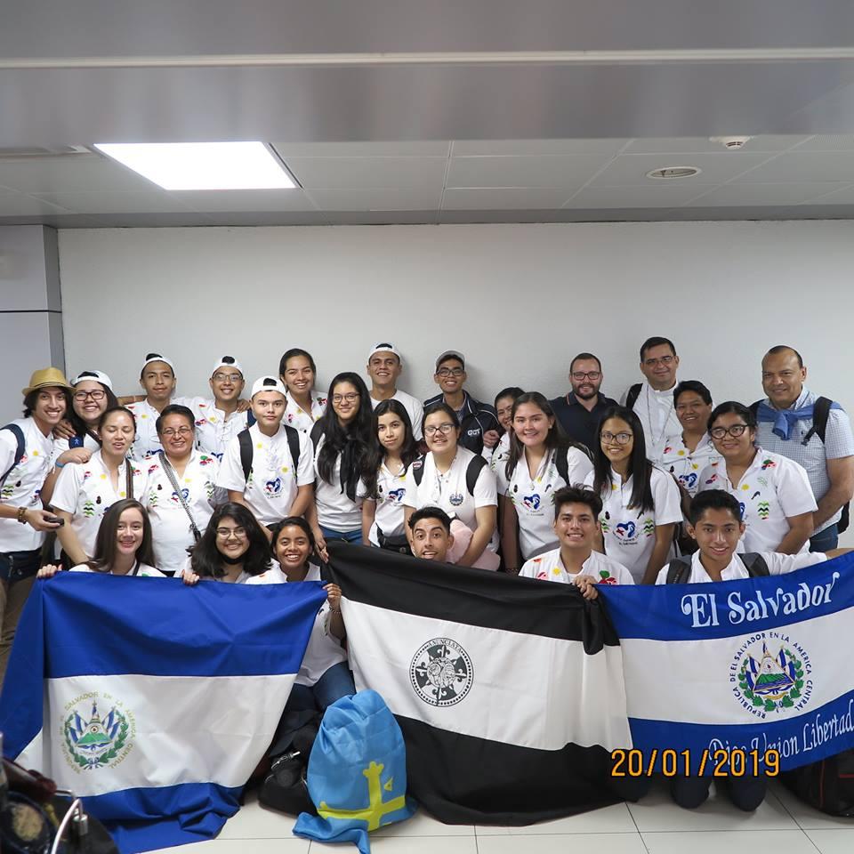 JOVENES ANUNCIATISTAS EN LA JMJ PANAMA 2019
